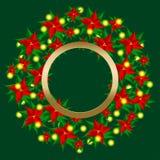 Julkransen dekorerade julstjärnablommor och tänder girlander Royaltyfri Foto