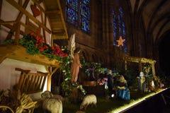 Julkrubba i en kyrka i Strasbourg arkivfoton