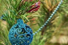 Julleksak på julgranen Royaltyfria Foton