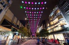 Julljus i Melbourne Bourke Street Mall Royaltyfria Bilder