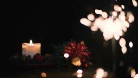 Julljus med Bengal brand p? en svart bakgrund i toppen ultrarapid arkivfilmer