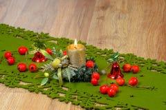 Julljus med dekoren Royaltyfria Foton