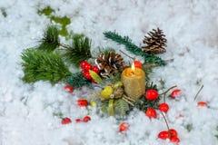 Julljus med dekoren Fotografering för Bildbyråer