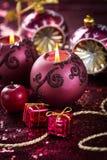 Julljus och prydnader arkivbild