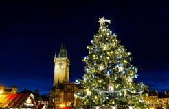 Jullynne på den gamla stadfyrkanten, Prague, Tjeckien arkivfoto