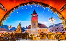 Julmarknad, Brasov, Transylvania - Rumänien Royaltyfria Foton