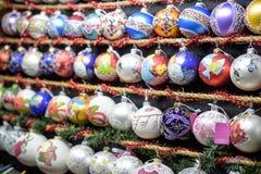 Julmarknad garnering Färgrika garneringar Royaltyfri Bild