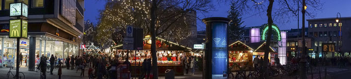 Julmarknad i Cologne Arkivfoton