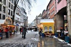 Julmarknad i Dusseldorf Fotografering för Bildbyråer