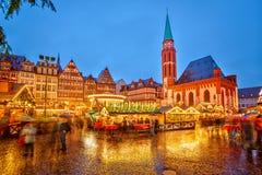 Julmarknad i Frankfurt Arkivfoton