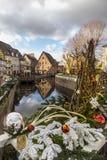 Julmarknader på Colmar gator Royaltyfria Foton
