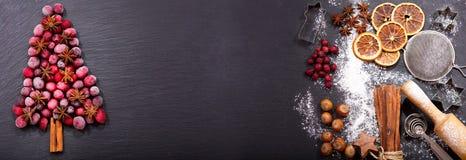 Julmat Ingredienser för att laga mat den julatt baka och satsen royaltyfri foto