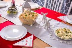 Julmatställetabell med grönsaker sallad och äggmajonnäs royaltyfri bild