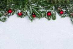 Julobjekt som täckas med ny snö Fotografering för Bildbyråer