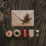 Julpacke Julkort-, gåva- och julgarnering arkivfoto