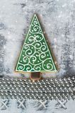 Julpepparkaka i form av ettträd Fotografering för Bildbyråer