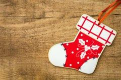 Julprydnadar på träbakgrund Copyspace Royaltyfria Bilder