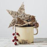 Julprydnader och glad jul för text royaltyfri bild