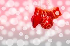 Julprydnader på en bakgrund Arkivfoton