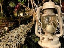 Julpynt, guld och gräsplan royaltyfri fotografi