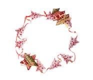 Julram av träleksakgranträd och stjärnor med stället för text Royaltyfri Fotografi