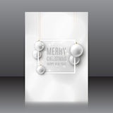 Julreklamblad med julleksaker Arkivfoton
