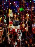 Julsaga i ett shoppafönster Arkivfoton