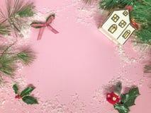 Julsammansättning med cederträfilialer arkivfoto