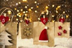 Julshoppingpåse, Santa Hat, snöflingor, Instagram filter Fotografering för Bildbyråer
