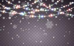 julsnow Fallande vita snöflingor på mörk bakgrund Xmas-färggirland, festliga garneringar glödande lampor för jul royaltyfri illustrationer