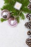 Julstilleben har den brinnande stearinljuset Arkivbild