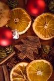 Julstilleben med frukt och kryddor Arkivbild