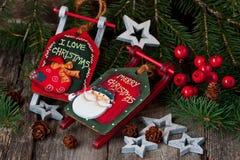 Julstilleben med ljusa symboler Arkivfoton