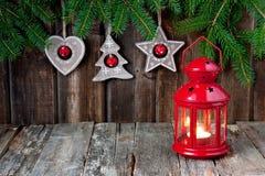 Julstilleben med ljusa symboler Arkivbilder