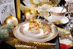 Jultabellgarnering i glamourstil Arkivfoto