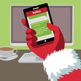 Jultomten kontrollerar hans textmeddelanden för bokstäver från barn royaltyfri illustrationer