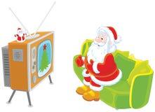 Jultomten som håller ögonen på TV royaltyfri illustrationer