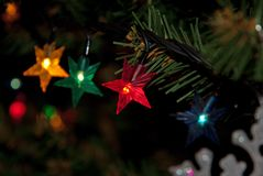 julträd med nytt år för ljus arkivfoton