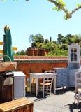 Jumble πώληση στο γαλλικό χωριό της Roussillon στοκ φωτογραφία