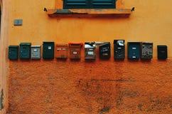 Jumble ταχυδρομικών κουτιών Στοκ φωτογραφίες με δικαίωμα ελεύθερης χρήσης