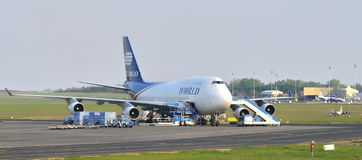 Jumbo de Boeing 747 del cargo del mundo fotografía de archivo libre de regalías