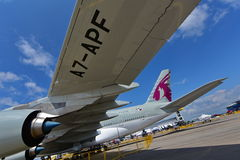 Jumbo eccellente di Qatar Airways Airbus A380 su esposizione a Singapore Airshow Fotografia Stock Libera da Diritti