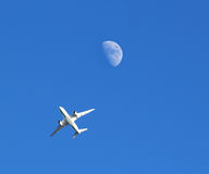 Jumbo Jet aeroplane directly in the sky above Stock Photography