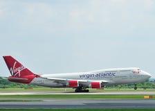 Jumbo-jet dell'Atlantico del Virgin Fotografie Stock