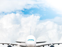 Jumbojet bij luchthaven. Royalty-vrije Stock Fotografie