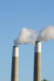 jumeau de cheminées d'évacuation des fumées Photo libre de droits