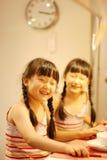 jumeaux mignons de l'Asie Photo stock