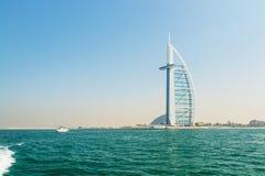 Jumeirah海滩的Burj Al阿拉伯旅馆在迪拜,现代architectu 库存图片