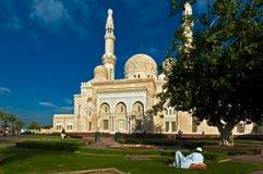 Jumeirah清真寺在迪拜 免版税库存图片