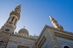 Jumeirah清真寺接近的看法在迪拜,阿拉伯联合酋长国 库存照片